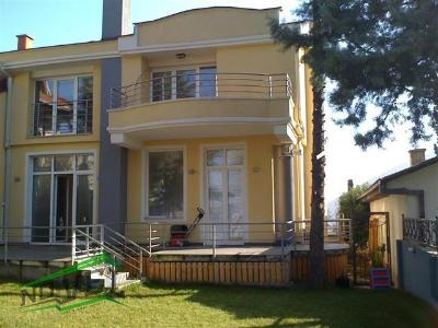 Furnished house for rent in Skopje, Przhino with living area of 170 m2.  Extras: Own steam heating, Garage.  Cost: 800 EUR