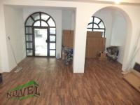 Se izdava prazen kancelariski prostor vo Skopje, Centar so povrshina od 90 m2.  Ekstra: Nova Zgrada, Parking, Upotrebna dozvola.  Cena: 400 EUR