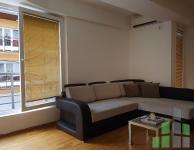 Se izdava namesten stan vo Skopje, Centar - Univerzalna Sala so povrshina od 50 m2.  Ekstra: Klima, Centralno Parno, Lift, Nova Zgrada.  Cena: 300 EUR