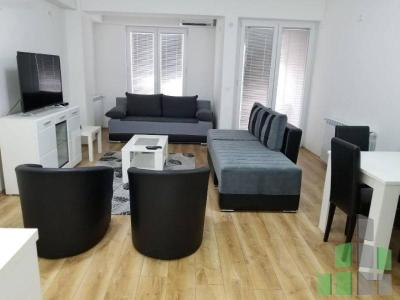 Furnished apartment for rent in Skopje, Centar with living area of 39 m2.  Extras: AC, Own steam heating, Elevator.  Cost: 230 EUR