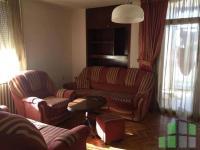 Se izdava namesten stan vo Skopje, Centar so povrshina od 86 m2.  Ekstra: Renoviran, Klima, Greenje na struja.  Cena: 220 EUR