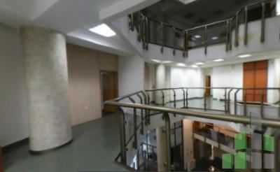 Empty office for rent in Skopje, Centar with living area of 200 m2.  Extras: AC, Own steam heating, Elevator.  Cost: 3000 EUR