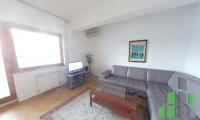 Se izdava namesten stan vo Skopje, Centar - Univerzalna Sala so povrshina od 54 m2.  Ekstra: Klima, Centralno Parno, Nova Zgrada.  Cena: 300 EUR