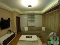 Se izdava namesten stan vo Skopje, Vodno so povrshina od 60 m2.  Ekstra: Klima, Greenje na struja, Lift, Renoviran, Parking.  Cena: 350 EUR