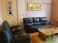 Se izdava namesten stan vo Skopje, Centar - Univerzalna Sala so povrshina od 60 m2.  Ekstra: Klima, Centralno Parno, Lift.  Cena: 300 EUR