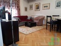 Se izdava namesten stan vo Skopje, Centar - Univerzalna Sala so povrshina od 45 m2.  Ekstra: Klima, Centralno Parno.  Cena: 250 EUR