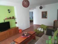 Se izdava namesten stan vo Skopje, Centar so povrshina od 84 m2.  Ekstra: Klima, Greenje na struja.  Cena: 270 EUR