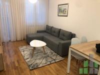 Se izdava namesten stan vo Skopje, Karposh 4 so povrshina od 64 m2.  Ekstra: Klima, Centralno Parno, Lift, Nova Zgrada, Parking.  Cena: 400 EUR