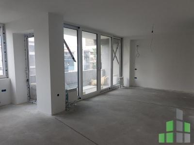 Apartment for sale in Skopje, Centar with living area of 83 m2.  Extras: Central Heating, Renovated.  Cost: 91000 EUR