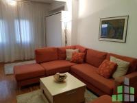 Se izdava namesten stan vo Skopje, Aerodrom - Nova Zeleznichka so povrshina od 60 m2.  Ekstra: Centralno Parno, Lift.  Cena: 250 EUR