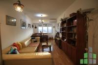 Se prodava  stan vo Skopje, GJorche Petrov so povrshina od 50 m2.  Ekstra: Klima, Greenje na struja, Lift, Nova Zgrada.  Cena: 43000 EUR