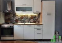 Se izdava namesten stan vo Skopje, Centar so povrshina od 64 m2.  Ekstra: Klima, Centralno Parno, Lift, Parking.  Cena: 270 EUR