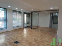 Se izdava prazen kancelariski prostor vo Skopje, Centar so povrshina od 375 m2.  Ekstra: Klima, Sopstveno parno, Renoviran.  Cena: 0 EUR