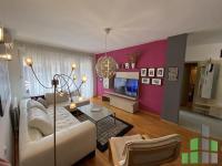 Se izdava namesten stan vo Skopje, Centar so povrshina od 56 m2.  Ekstra: Klima, Centralno Parno, Parking.  Cena: 350 EUR