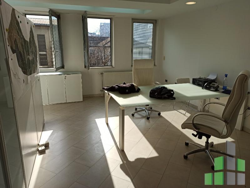 Се продава Канцеларија во Центар - N0190