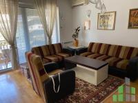 Se izdava namesten stan vo Skopje, Centar so povrshina od 66 m2.  Ekstra: Klima, Centralno Parno, Lift, Parking.  Cena: 380 EUR