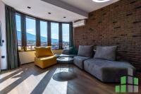 Se izdava namesten stan vo Skopje, Centar so povrshina od 29 m2.  Ekstra: Centralno Parno, Lift.  Cena: 250 EUR