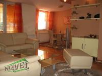 Se izdava namesten stan vo Skopje, Centar so povrshina od 52 m2.  Ekstra: Lift, Centralno Parno, Klima.  Cena: 270 EUR