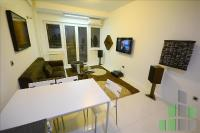 Se izdava namesten stan vo Skopje, Kapishtec so povrshina od 57 m2.  Ekstra: Klima, Centralno Parno, Lift, Renoviran.  Cena: 400 EUR