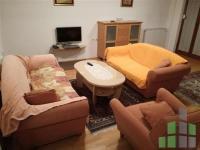 Se izdava namesten stan vo Skopje, Debar Maalo so povrshina od 75 m2.  Ekstra: Centralno Parno, Klima.  Cena: 300 EUR