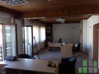 Se izdava prazen kancelariski prostor vo Skopje, Centar so povrshina od 110 m2.  Ekstra: Centralno Parno, Parking.  Cena: 550 EUR